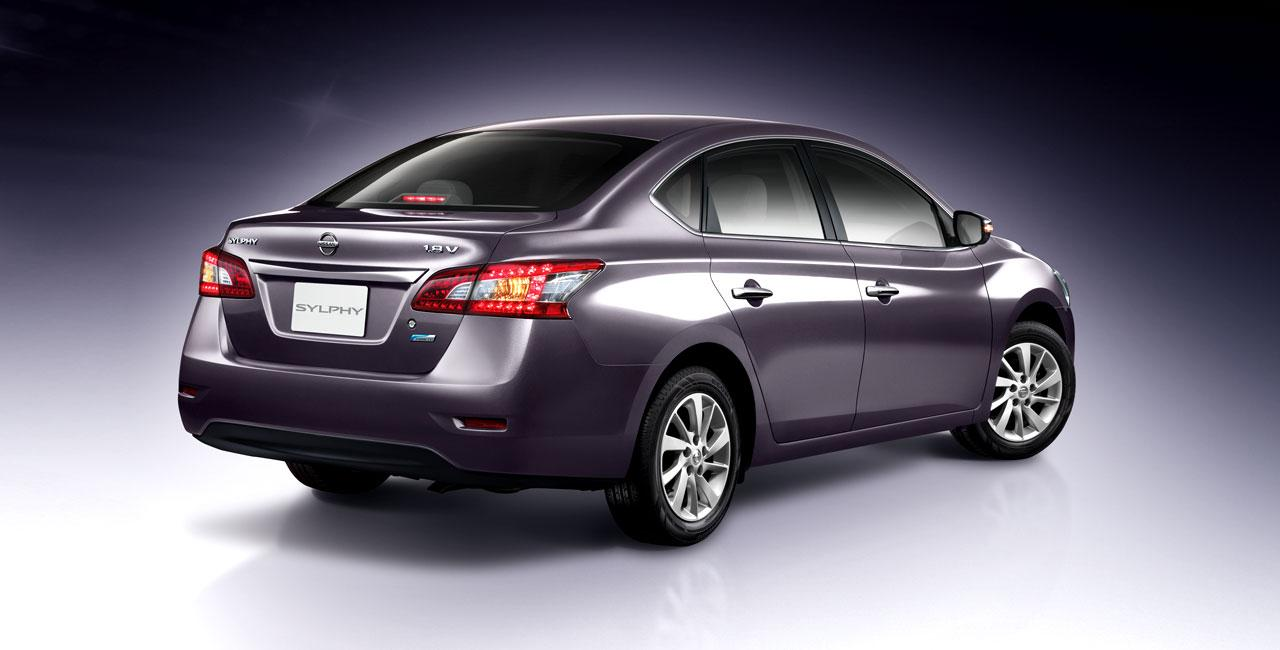 คุณกำลังดู: Nissan Slyphy 2012